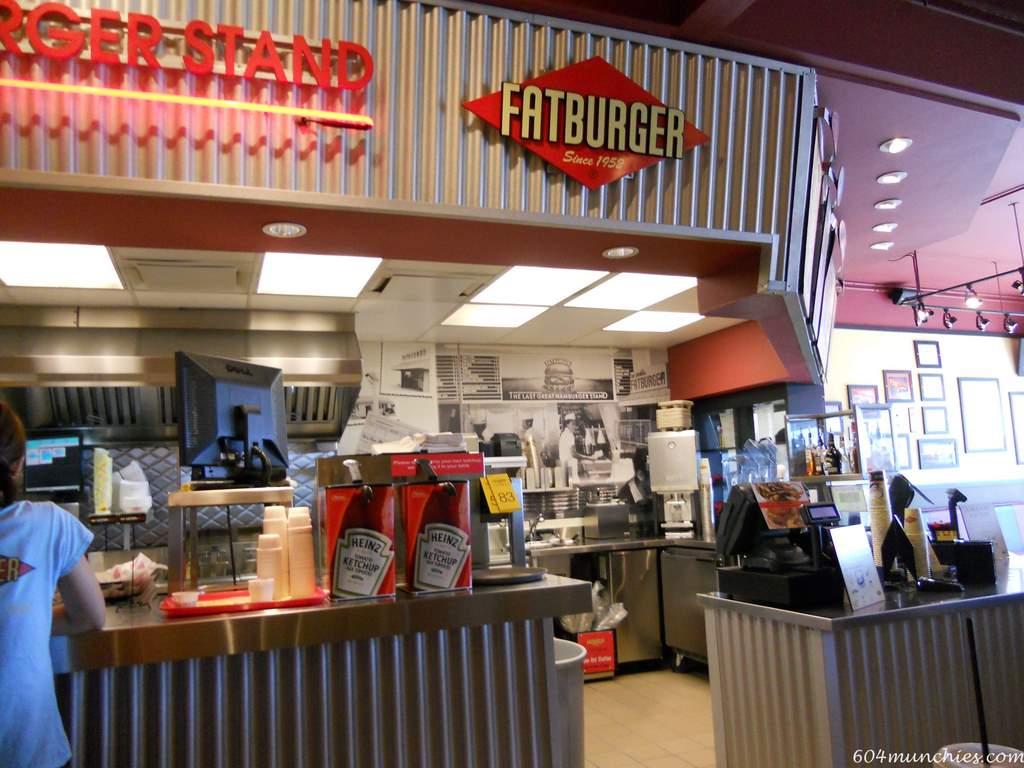 Fatburger - 00 Inside